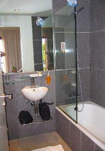 Маленькая ванная комната - интерьер
